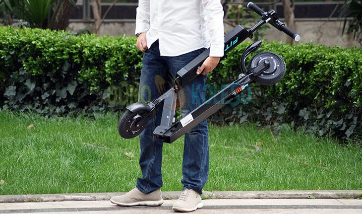 Fitrider t1s электросамокат в руке